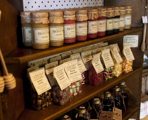 Levanders Lanthandel säljer även god honung